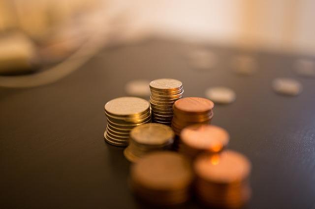 Monedas de pequeños gastos hormiga.